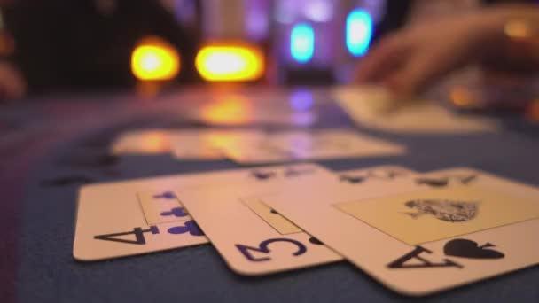 Blackjack-Casino-Spiel - ausgespielten Karten aus der Tabelle entfernen