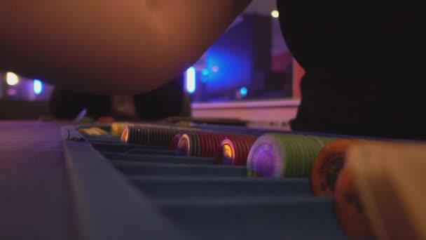 Black Jack Casino-Spiel - vergrößerte Ansicht Dealer Dosiertechnik Karten