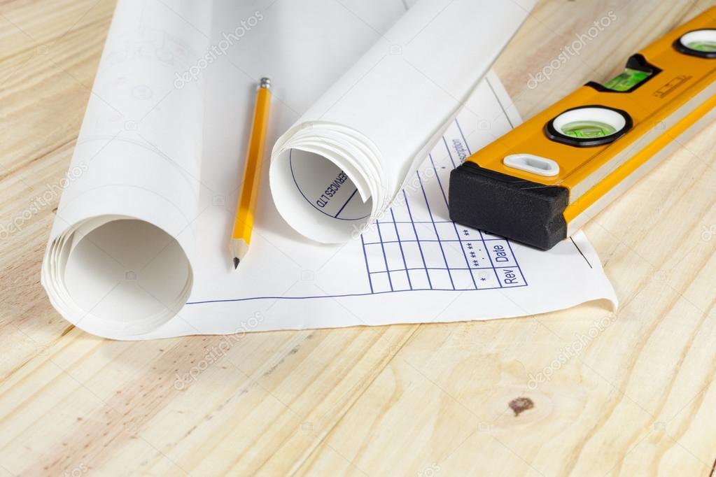 Holzfußboden Verlegen ~ Bauzeichnungen auf einem holzfußboden verlegen u stockfoto al er