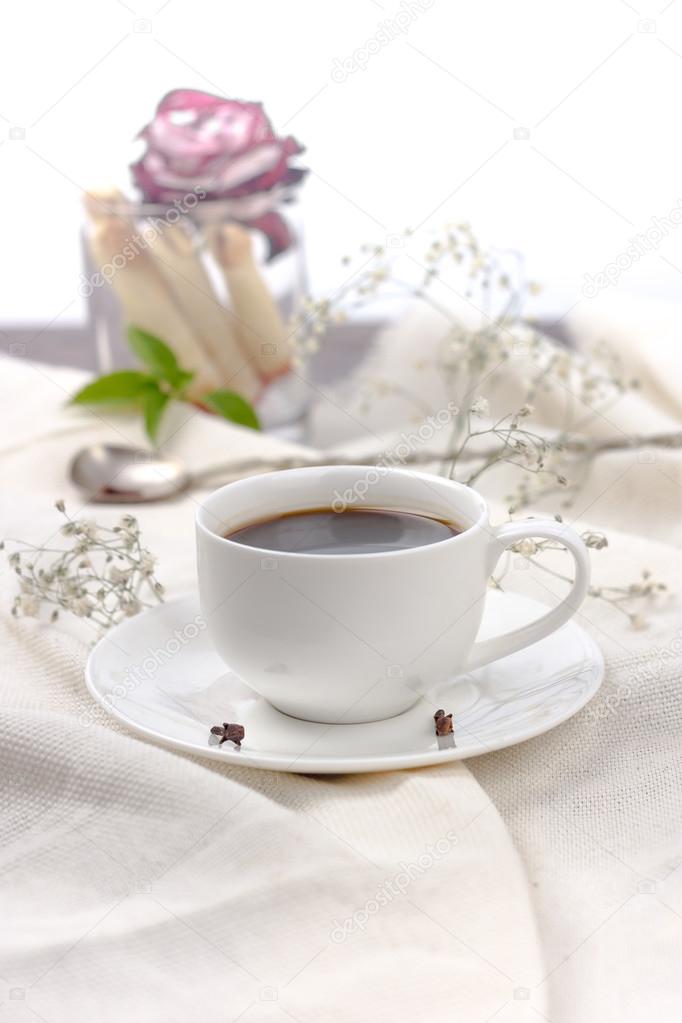 Kawa W łóżku Zdjęcie Stockowe 7511819bkru 123550254