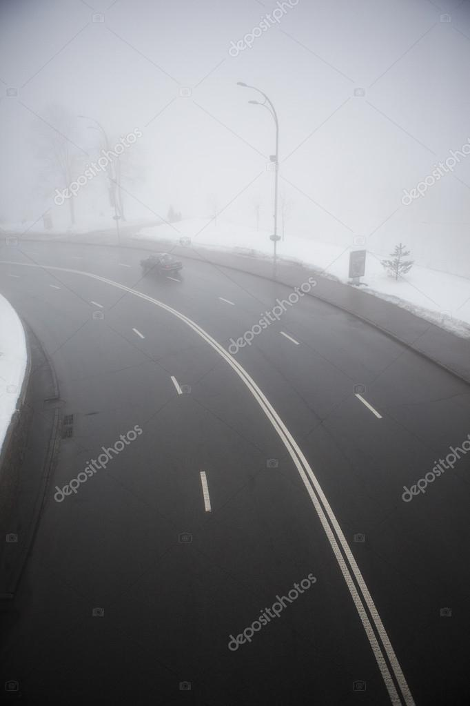 Фотообои highway in the fog in winter