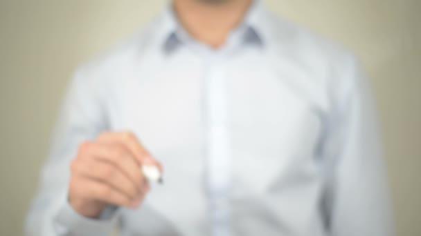 Schaffung von Arbeitsplätzen, Mann schreibt auf transparentem Bildschirm