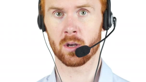 Služby zákazníkům osoba mluví na sluchátka