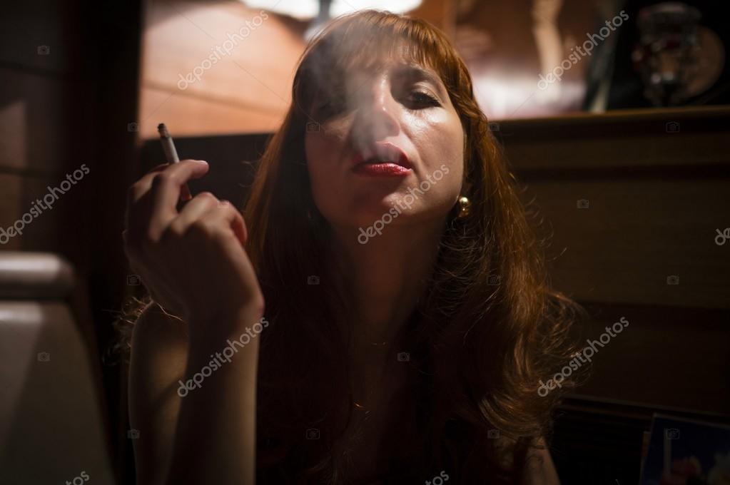 sexy-girls-smoking-images