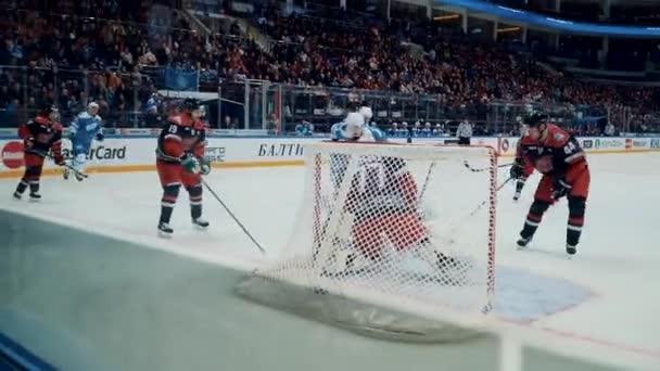 Moskau Russland 23. Januar 2016: Metsola speichert in der Kontinentalen Hockey-Liga alle Sterne Spiel