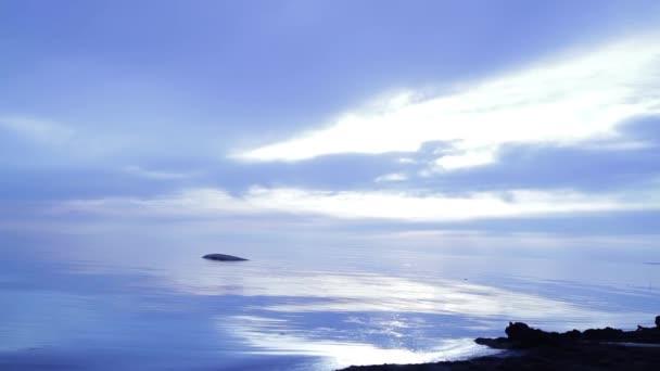 Úžasné modré slunce podobě beach