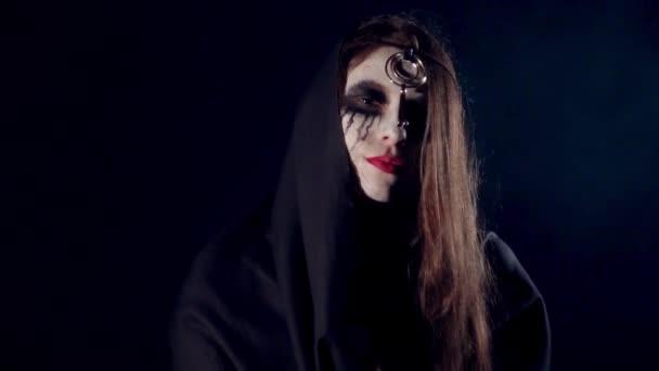 Halloween děsivé bláznivá holka casting kouzla