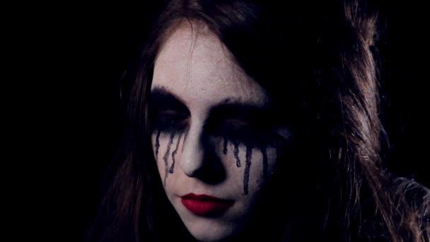 Halloween-ijesztő lány közelről
