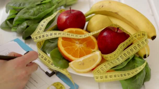 Ženské dietetik předepisování dieta