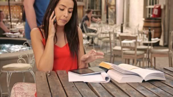 studenti setkání ke studiu s tabletem