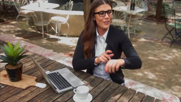 business woman paying and receiving her coffee bill