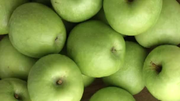 green ripe apples spinning