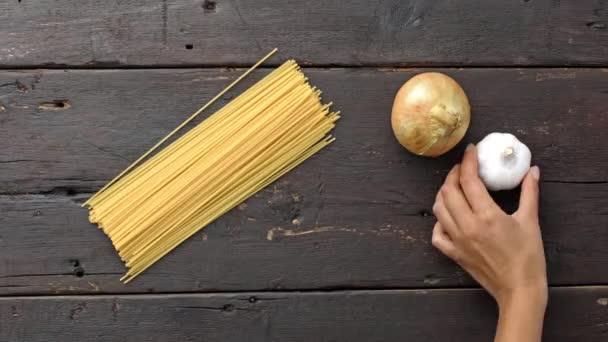 Olasz vegetáriánus tészta összetevők előkészítése