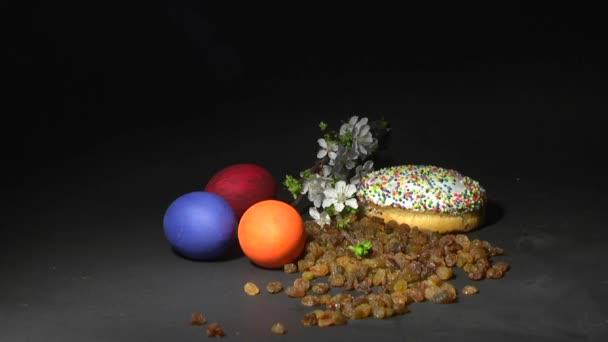 Velikonoční koláče. Svíčka. Zátiší