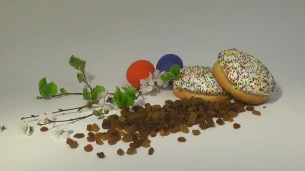 Velikonoce. Malovaná vajíčka. Velikonoční dorty