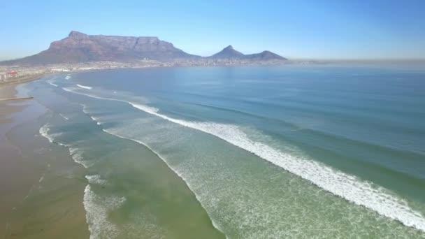 Cape Town 4k Uhd Légifelvételek a tábla-hegyre, lagúna strandjától Tableview, Blouberg. Óceán strandok a Dél-afrikai Köztársaság. 2. rész 4