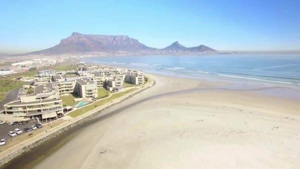 Cape Town 4k Uhd Légifelvételek a tábla-hegyre, lagúna strandjától Tableview, Blouberg. Óceán strandok a Dél-afrikai Köztársaság. 1. rész 8