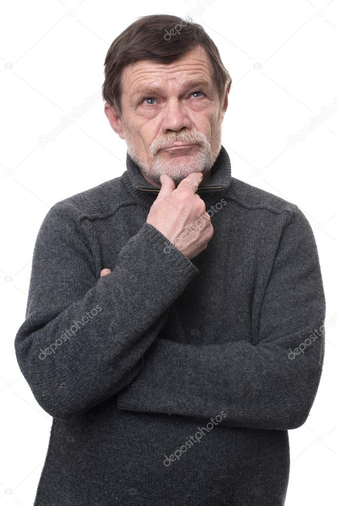 Hombres mayores guapos con barba