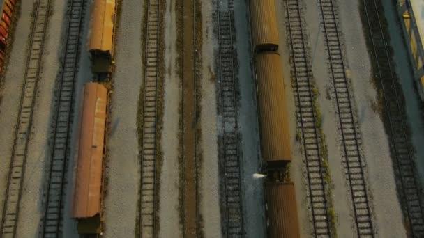 Luftbild des Depots der Eisenbahnwaggons schließen