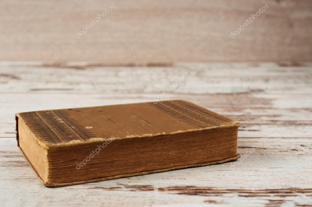 Ferme Le Livre Ancien Fond Bois Photographie Snj Abv Bg