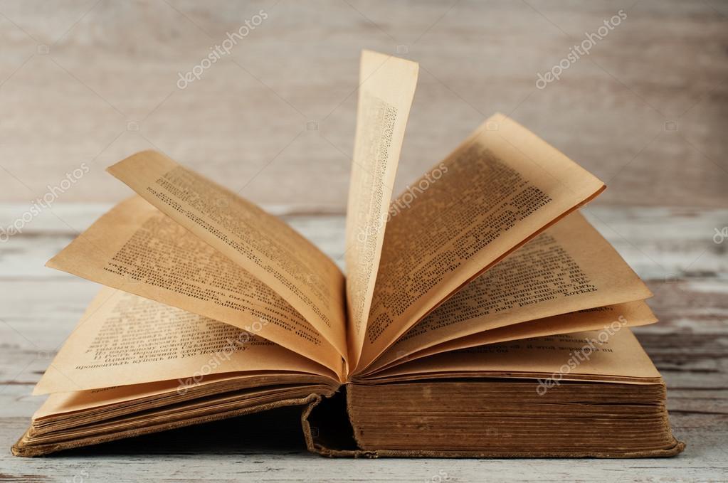 Livre Ancien Ouvert Fond Bois Photographie Snj Abv Bg