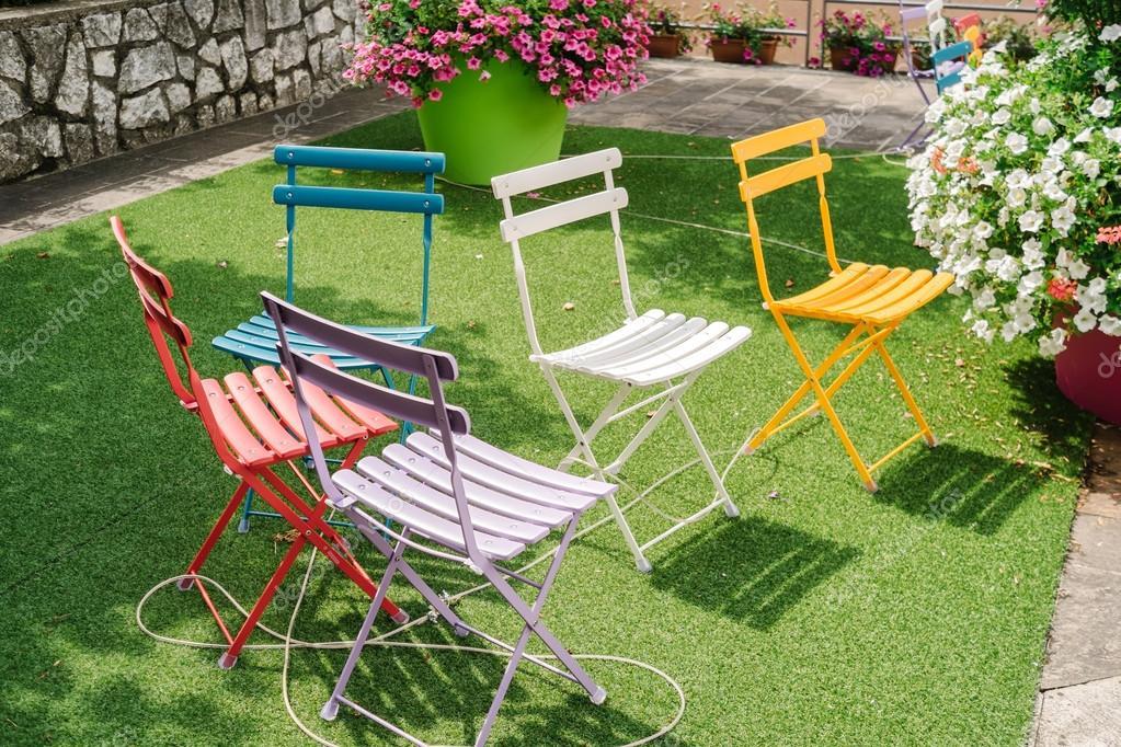 Sedie Da Giardino Colorate.Sedie Da Giardino Colorati Foto Stock C Stocco Claudio