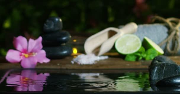 sauny a wellness odpočinek v extrémních slowmotion a romantickou atmosféru