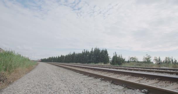 Osobní vlak kolem vysokou rychlostí