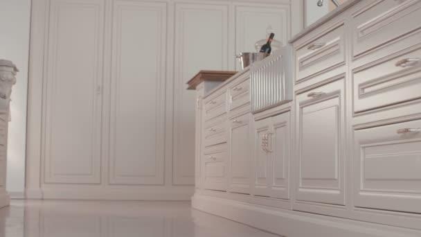 Követés lövés egy luxus konyha