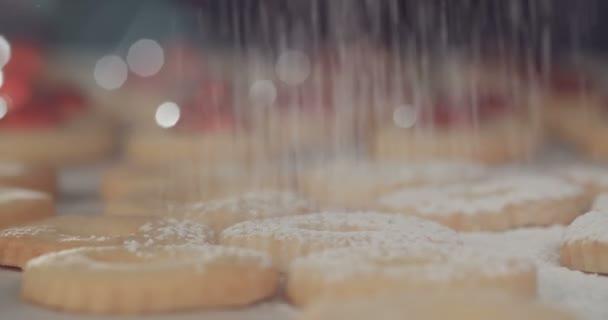 Baker sypání cukru prášek