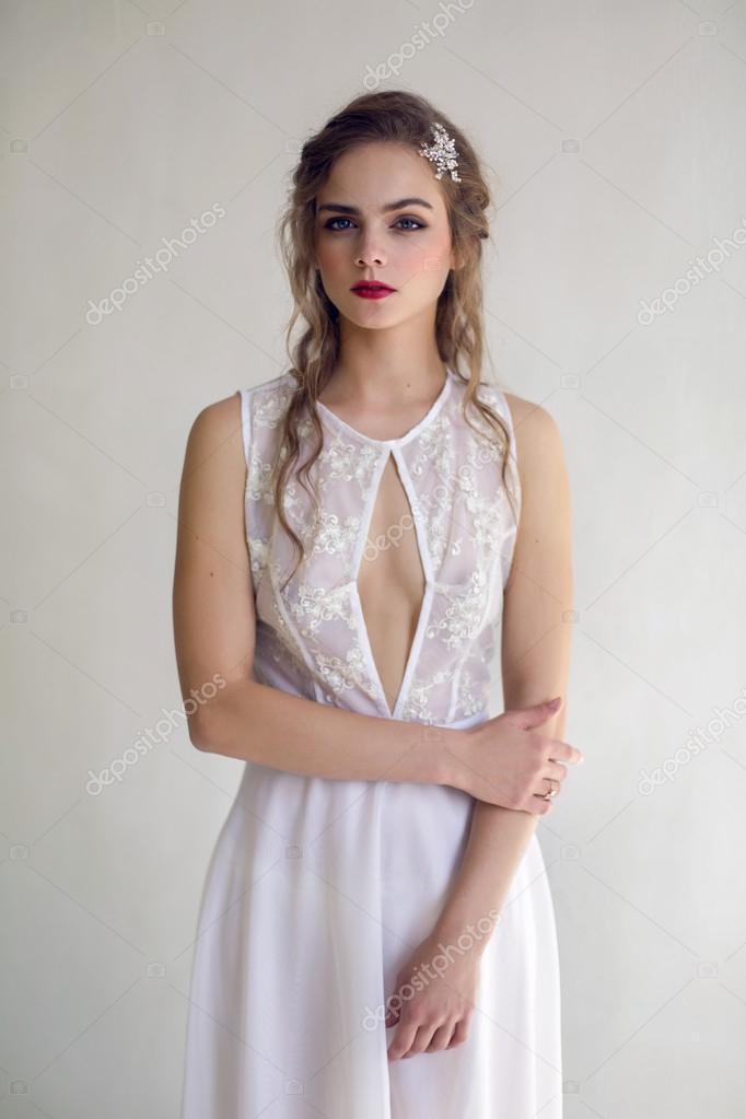 novia hermosa mujer en vestido de novia - estilo — fotos de stock