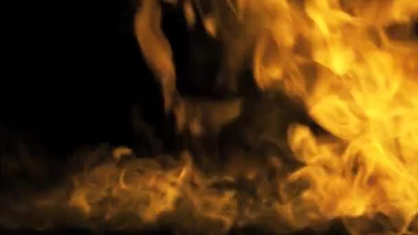 Intenzivní výbuch ohně s fragmenty vypalování