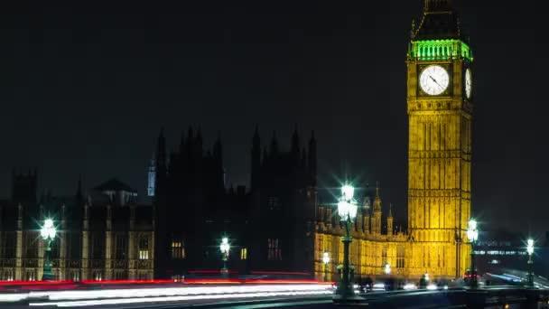 Doprava nad Elizabeth Tower, Big Ben a bridge v noci