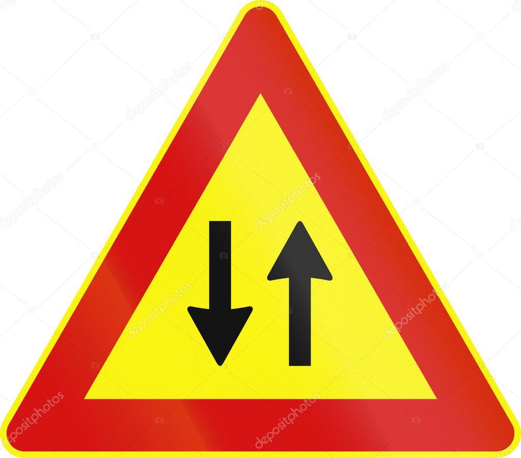 panneau de signalisation utilis s dans temporaire italie circulation dans les deux sens. Black Bedroom Furniture Sets. Home Design Ideas