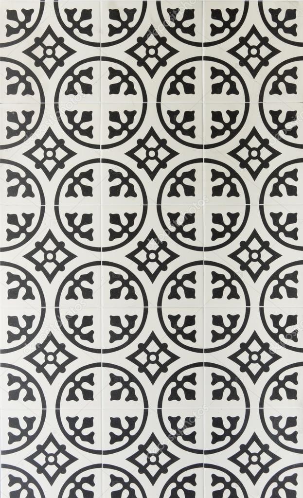 Piastrelle bianche e nere rt18 pineglen for Piastrelle bagno bianche e nere