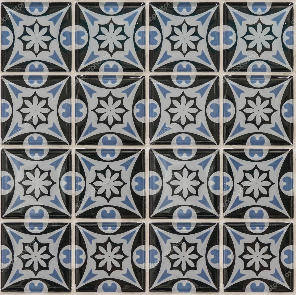 blumen muster mosaik fliesen stockfoto patpongrstock 104708544. Black Bedroom Furniture Sets. Home Design Ideas