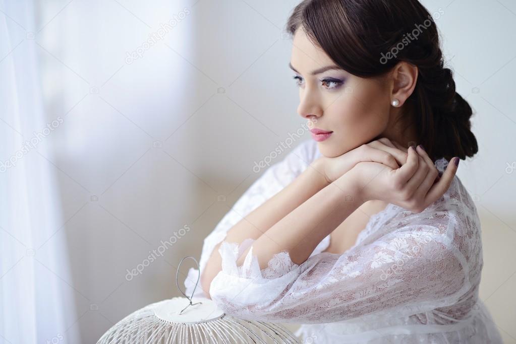 Женщины в белом кружевном фото пизда сперме спящую
