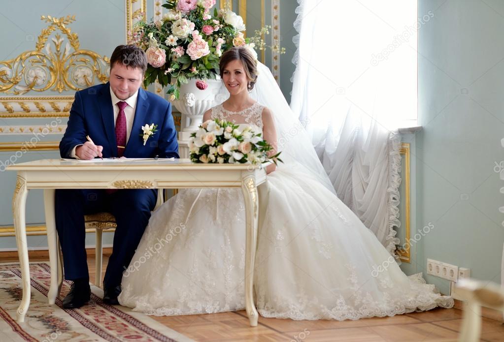 Imágenes Pareja Casandose Hermosa Pareja Registro Matrimonio