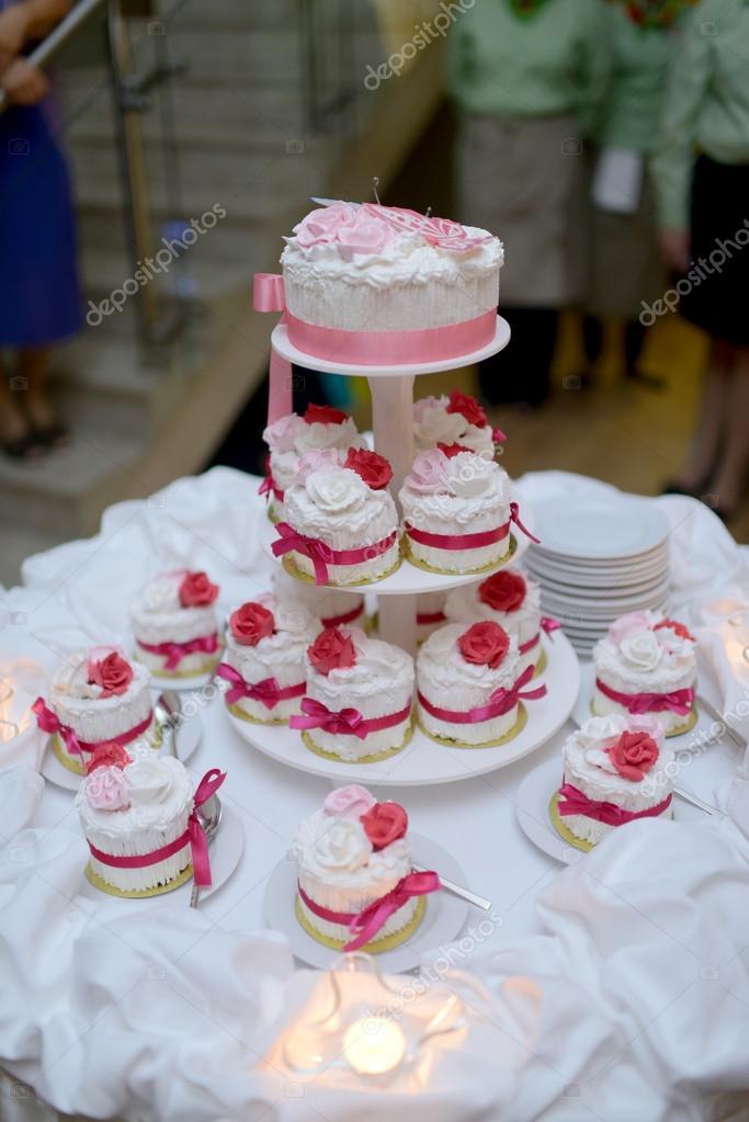 Schone Hochzeitstorten Stockfoto C Pvstory 115480012