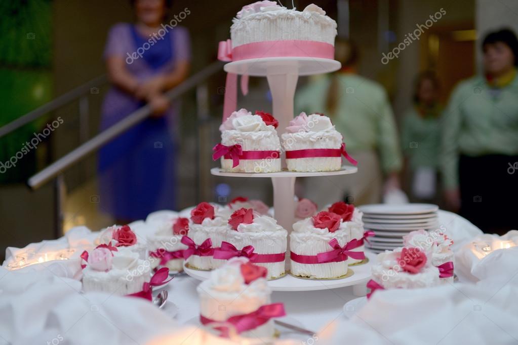 Schone Hochzeitstorten Stockfoto C Pvstory 115481082