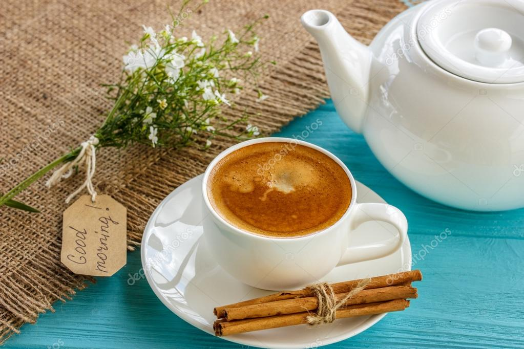 Café para todos...... - Página 2 Depositphotos_111298530-stock-photo-morning-coffee-with-white-flowers