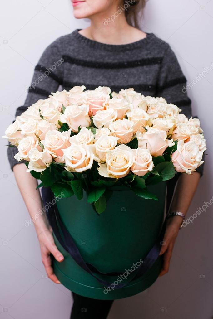 Luxury Bouquets Of Flowers In The Hat Box Roses In The Hands Women