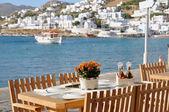 Tavolo da pranzo da lungomare di Mykonos, Grecia