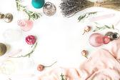 Rahmen mit Rosen, Lavendel