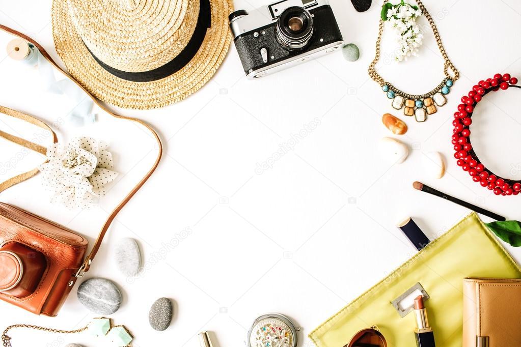 Travel kit: straw, hipster retro camera