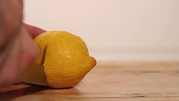řezání citron