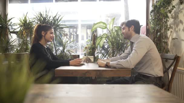 zwart dating café Hoe nauwkeurig is een echografie voor het dateren van een zwangerschap