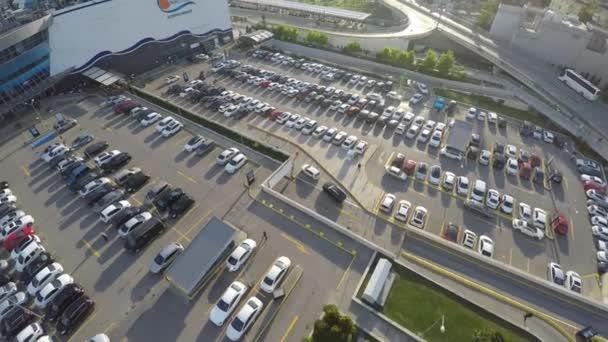 istanbul - truthahn 28 april 2016 - luftaufnahme von outdoor-parkplätzen - weitwinkel