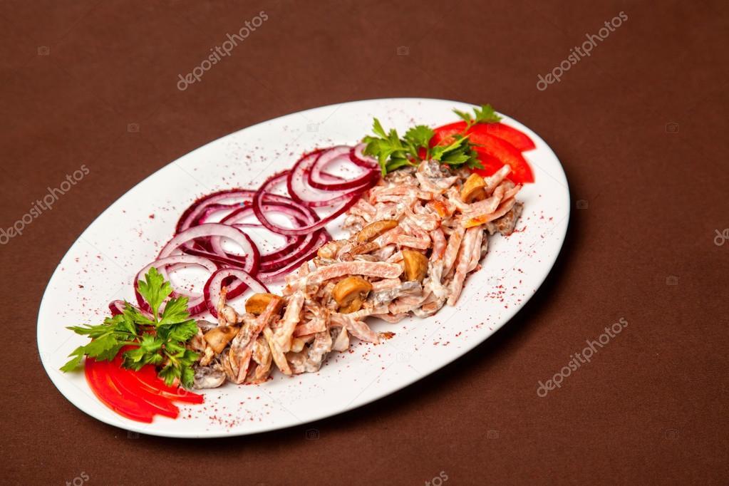 Жареное мясо с соусом