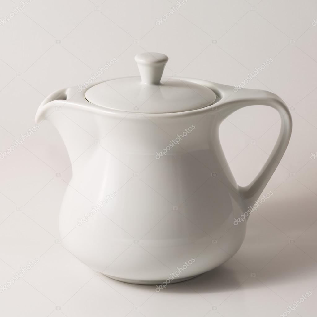 Weiße Teekanne einzelne weiße teekanne stockfoto lostation 106021310